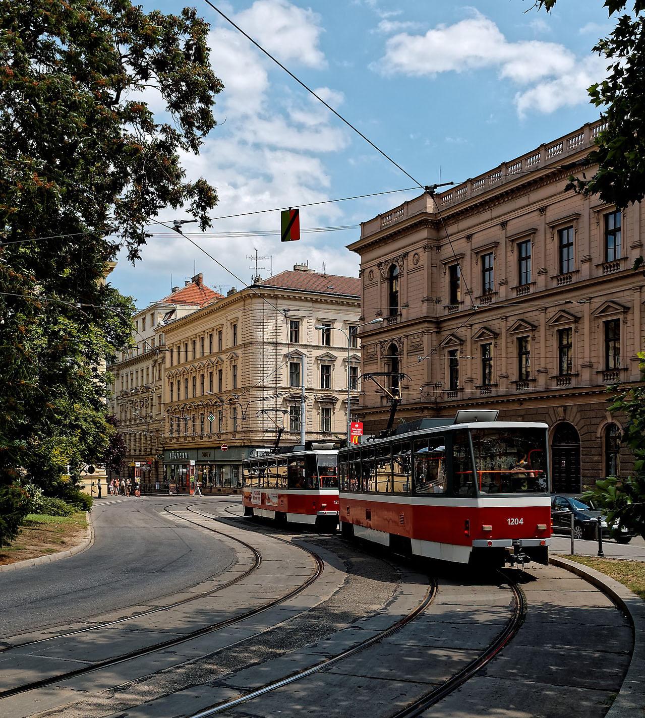 Un tram dans la ville de Brno en République Tchèque